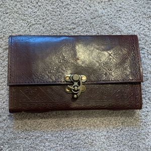 Leather notebook with metal hook clasp